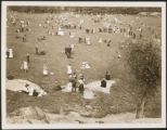 New York City: picnickers on lawn, Central Park, 1907.