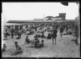 Beachgoers at Manhattan Beach tennis courts, Brooklyn, undated (ca. July 1917).