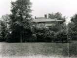 Barton House exterior and lawn
