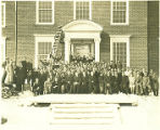 Hartwick College students, faculty and administration, ca. 1930's
